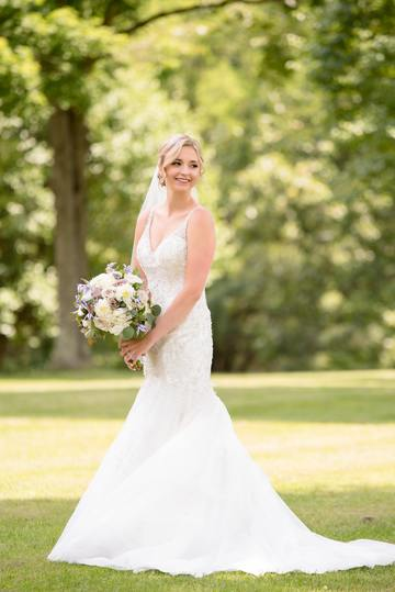 bride-gown-photograph-wedding-dress-woman-flower-1538579-pxhere.com